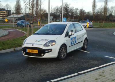 Snel in een auto rijden dankzij de rijschool in Boskoop